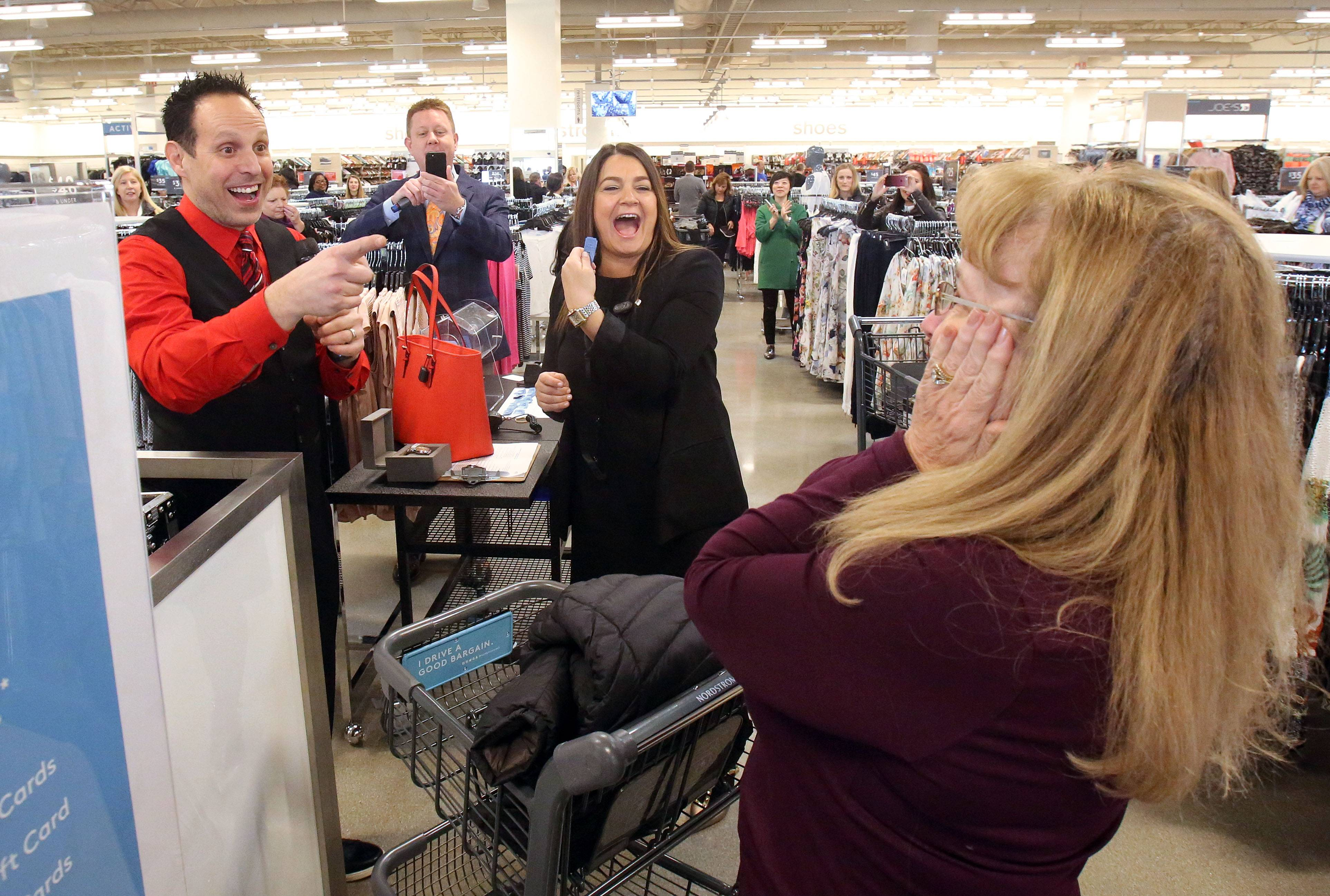 Kildeer Village Square opens with Nordstrom Rack, DSW
