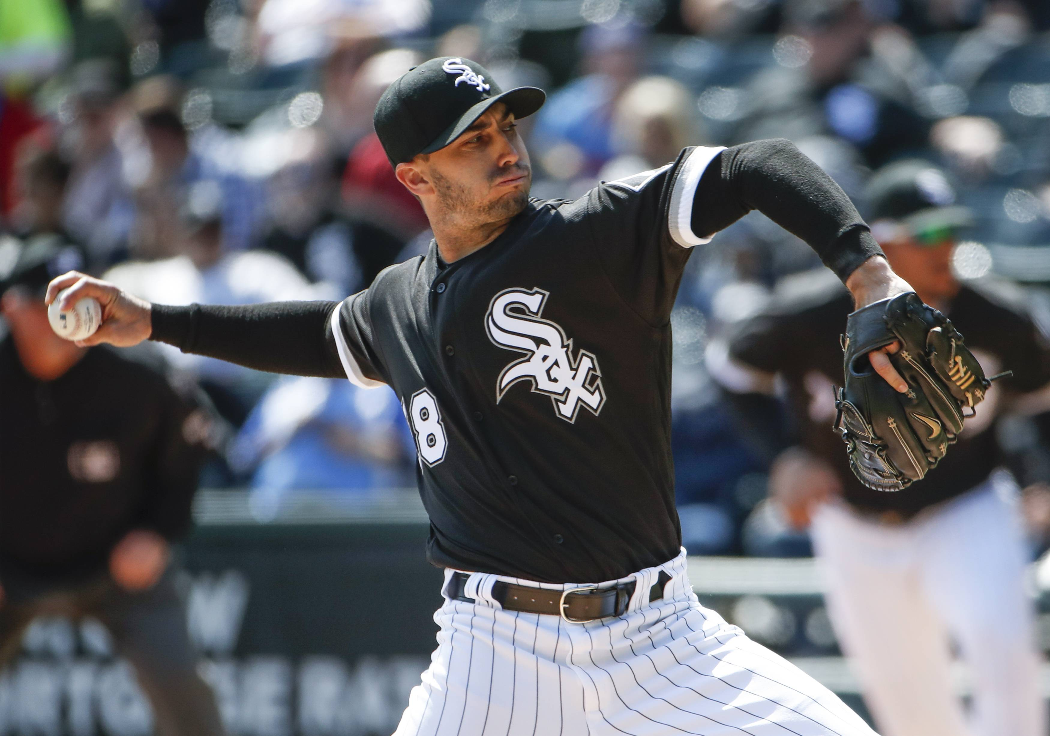 Gonzalez gets job done in first start for White Sox