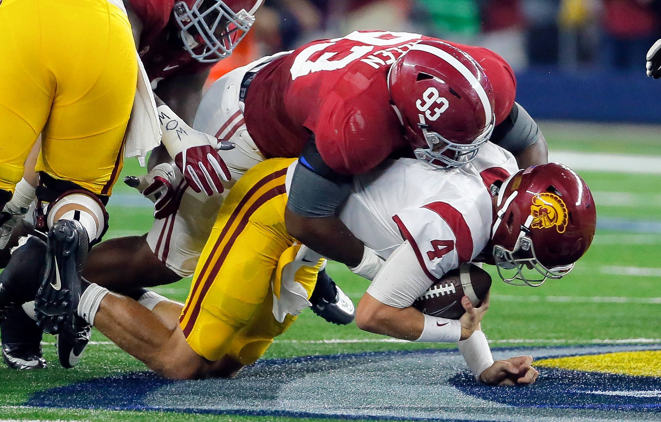 Associated press File Photo There's no reason the Bears shouldn't use the third overall selection on Alabama defensive lineman Jonathan Allen.