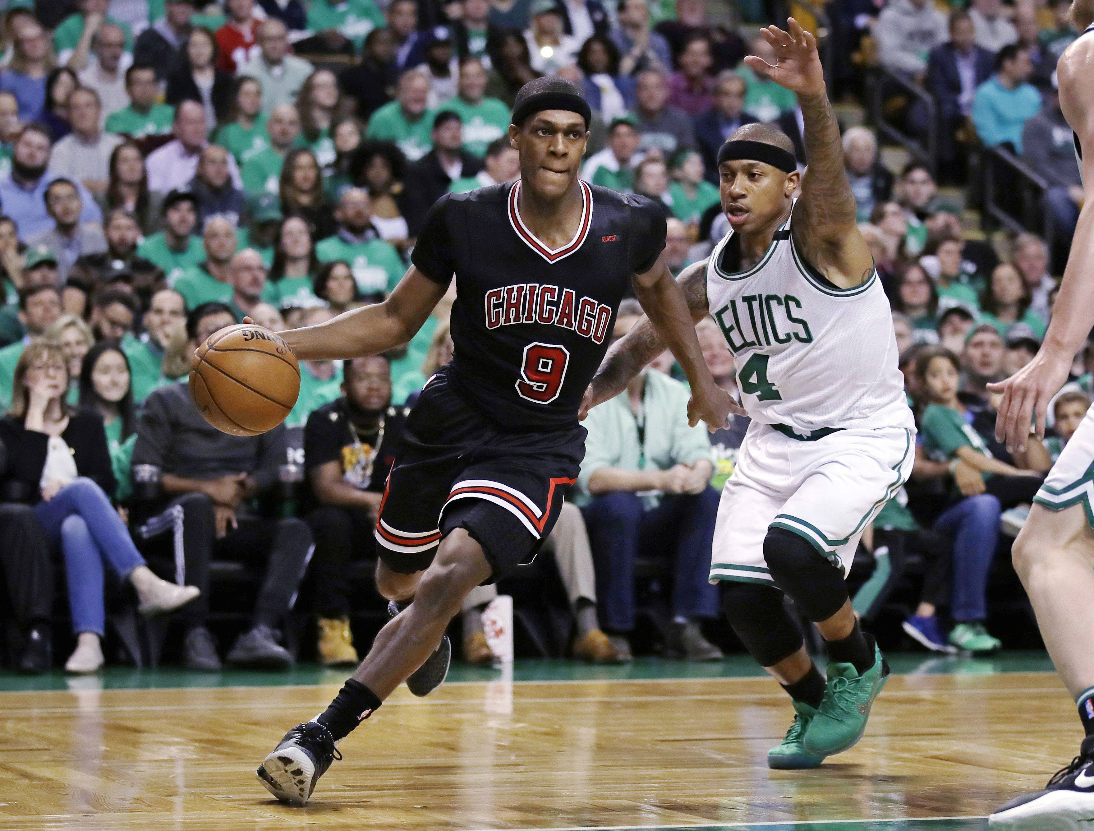 Bad news for Bulls: Rondo out with broken thumb
