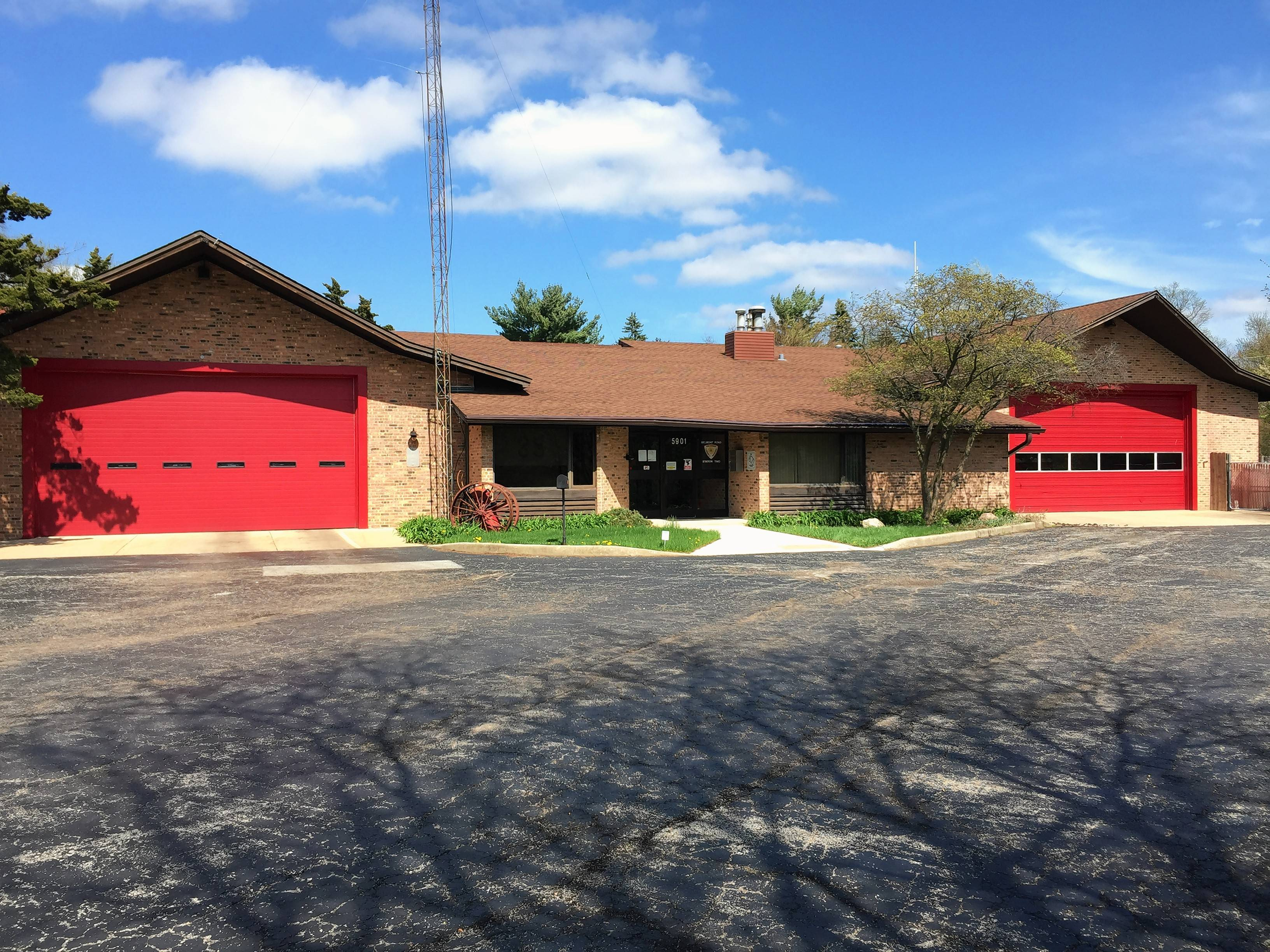 The Darien-Woodridge Fire Protection District is planning to close its fire station at Belmont Road and 59th Street and move the staff to increase the number of firefighters assigned to its vehicles.