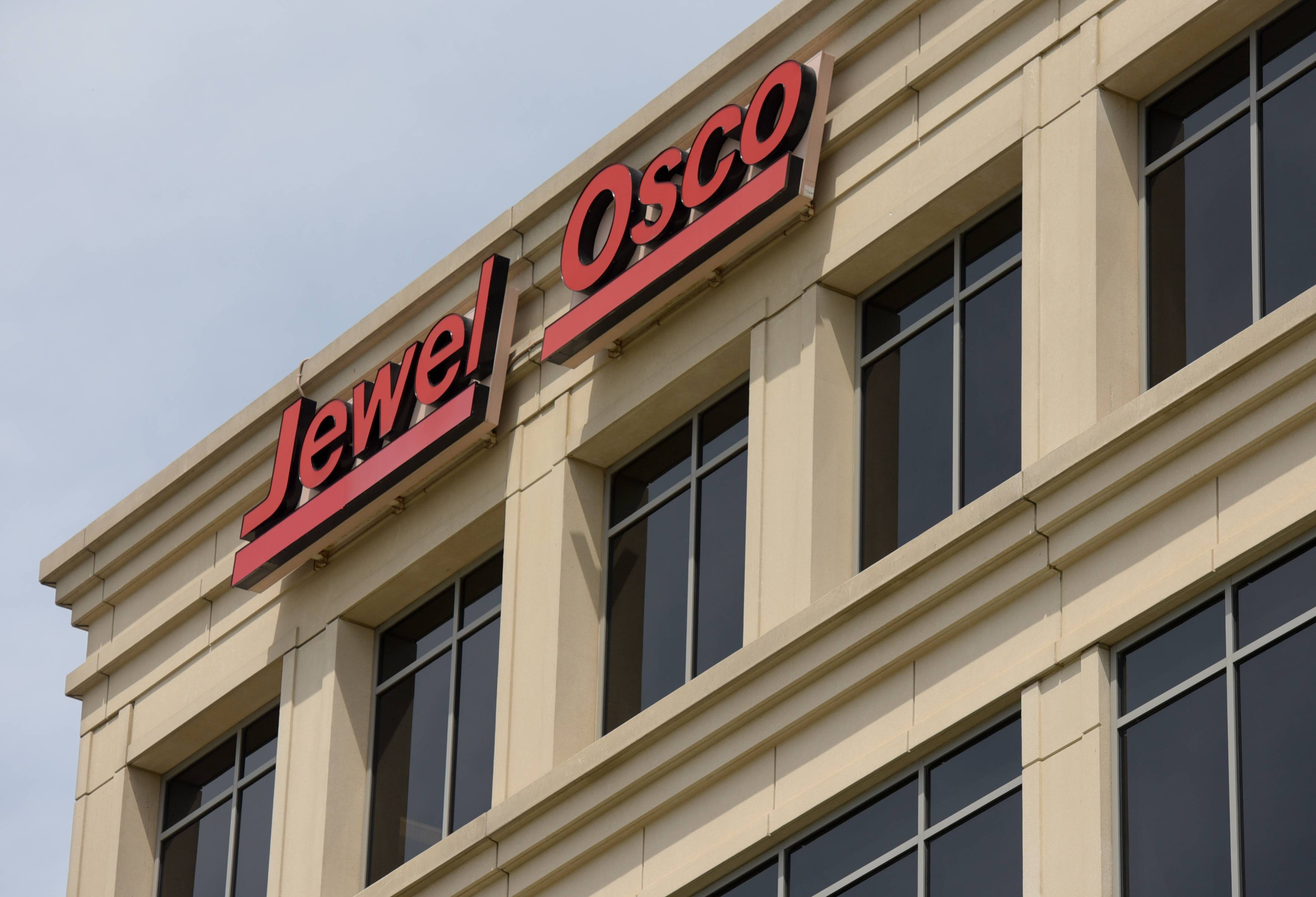Itasca-based Jewel-Osco said it has agreed to acquire Strack & Van Til stores from Joliet-based Central Grocers, which filed bankruptcy.