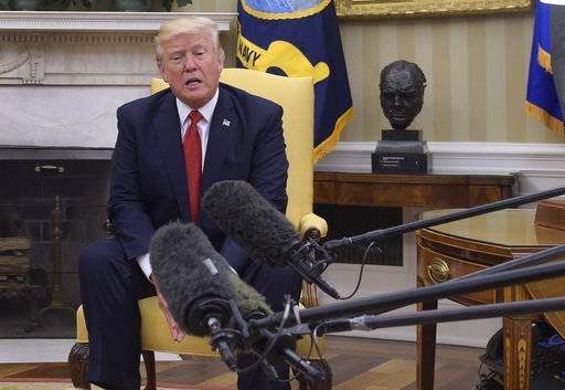 President Donald Trump speaks in the Oval Office of the White House in Washington, Thursday, May 18, 2017, during his meeting with Colombian President Juan Manuel Santos. (AP Photo/Susan Walsh)