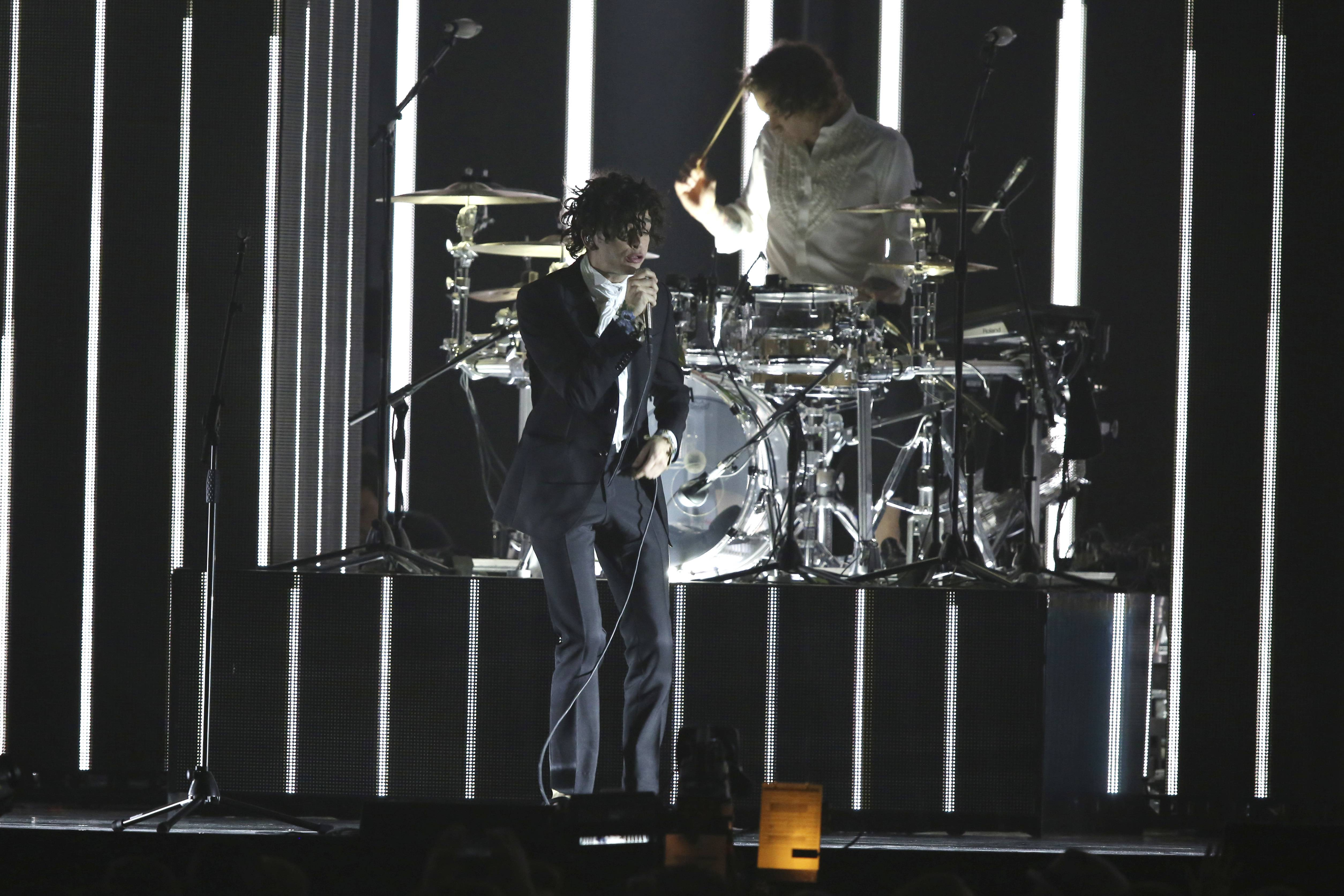 The 1975's U.S. tour brings the British band to the Hollywood Casino Amphitheatre in Tinley Park on Saturday, May 20.