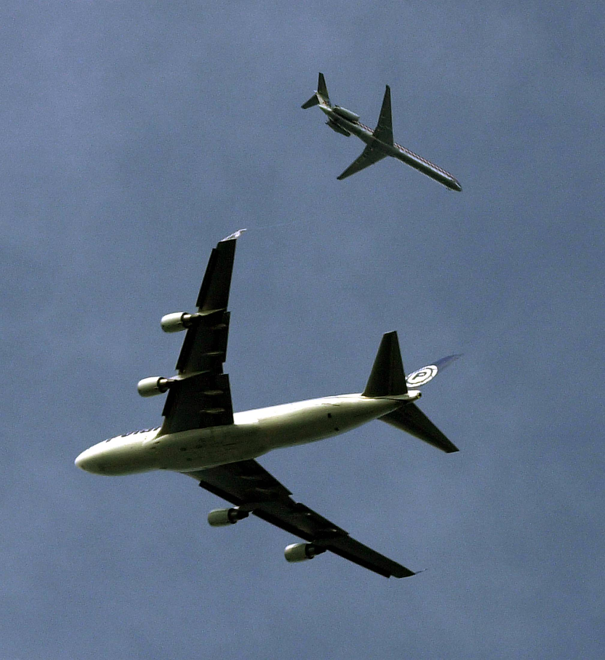 Noise commission members are struggling with evenly distributing the nighttime din from jets.