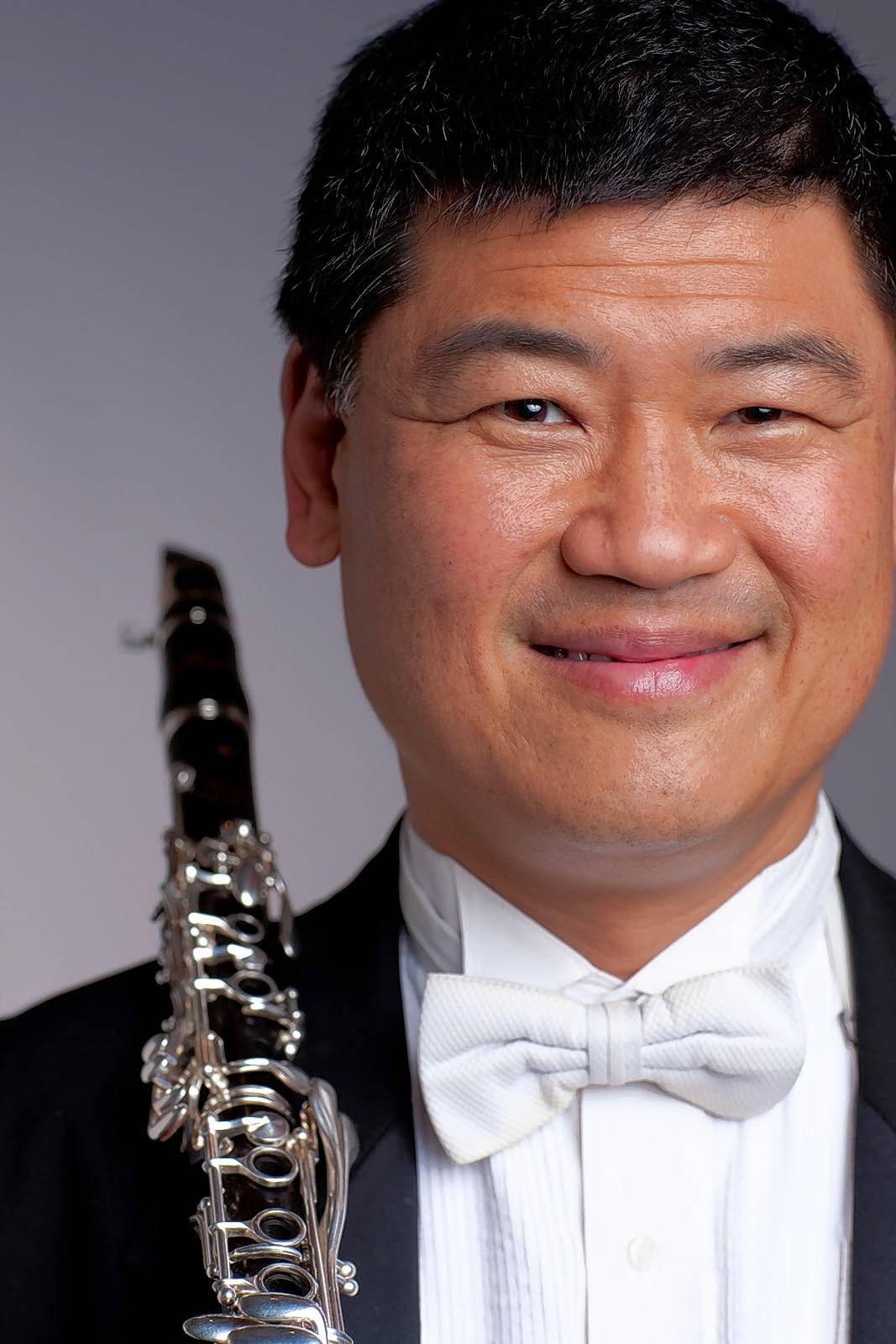 Chicago Symphony Orchestra clarinetist John Bruce Yeh is a guest soloist with the Lake Forest Symphony.