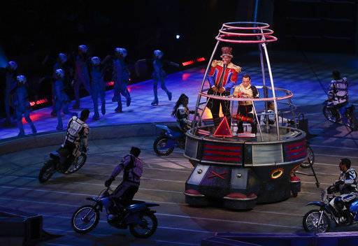 "Ringmaster Johnathan Lee Iverson opens the final show of the Ringling Bros. and Barnum & Bailey Circus, Sunday, May 21, 2017, in Uniondale, N.Y. Ringling's circus began its final show Sunday evening after 146 years of wowing audiences with its ""Greatest Show on Earth."" (AP Photo/Julie Jacobson)"