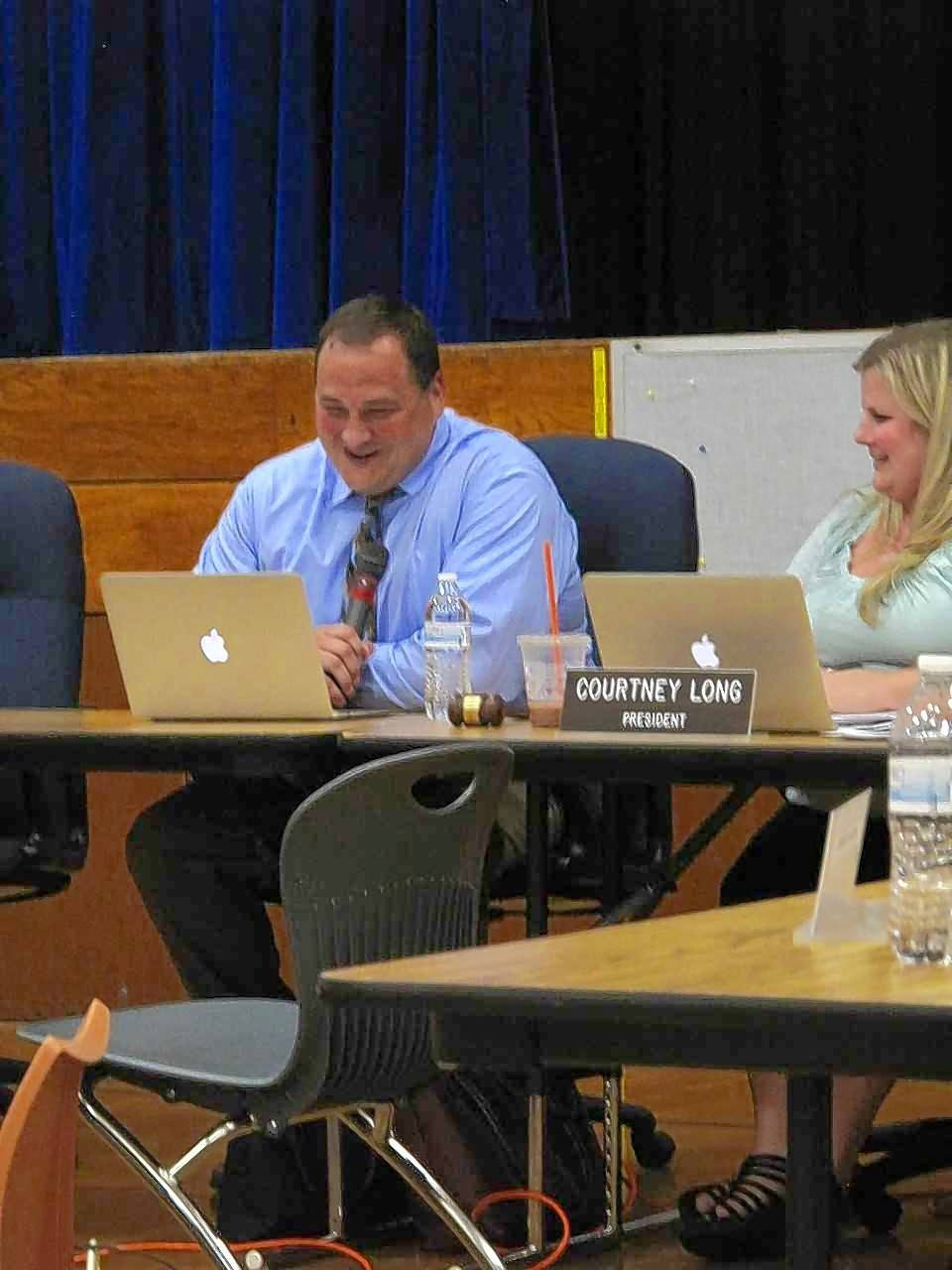 Dist. 44 approves new superintendent, launches transition plan