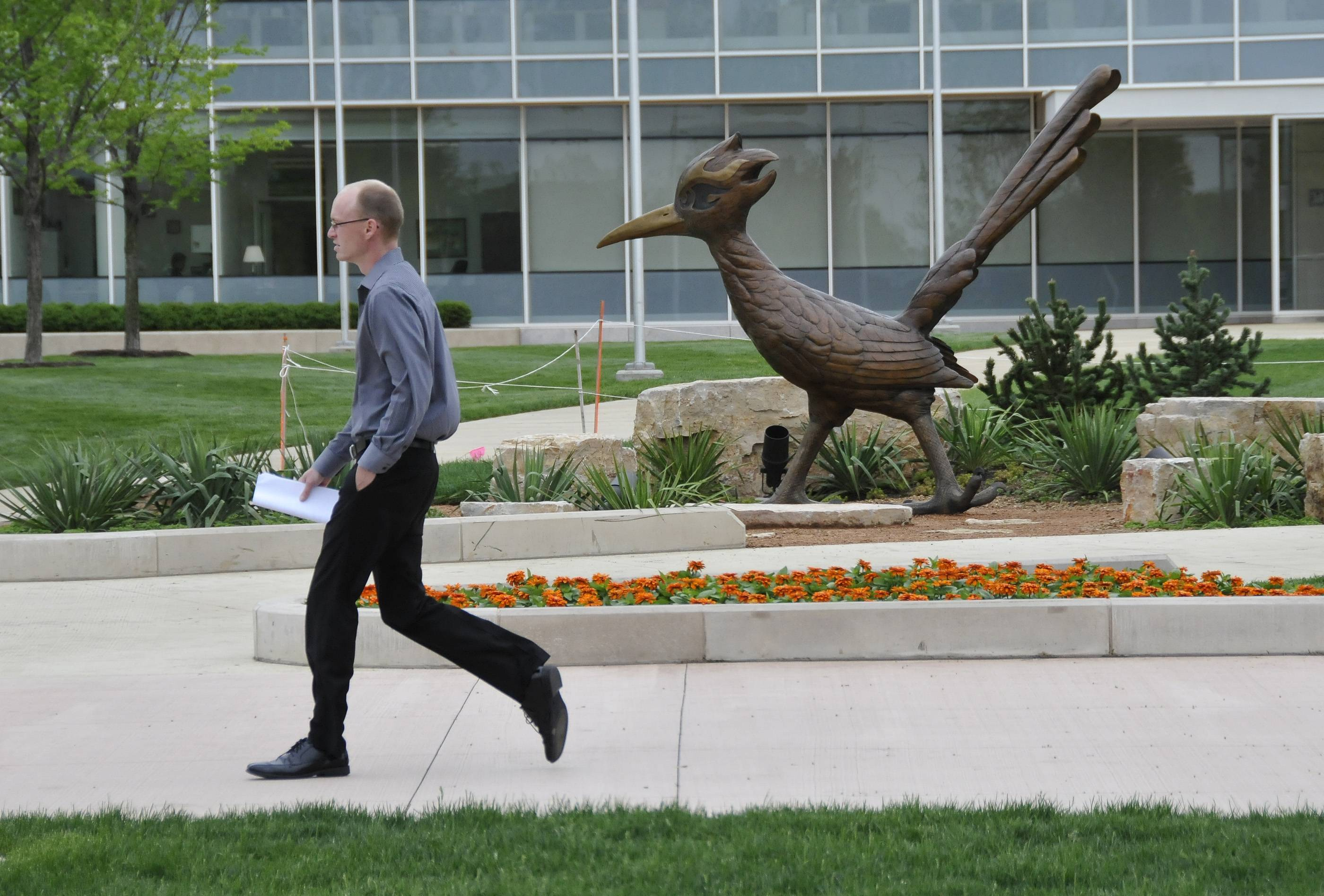 The College of DuPage has approved a $319.9 million budget for the fiscal year starting July 1 that calls for no increases in tuition or property taxes — despite a multimillion-dollar deficit.
