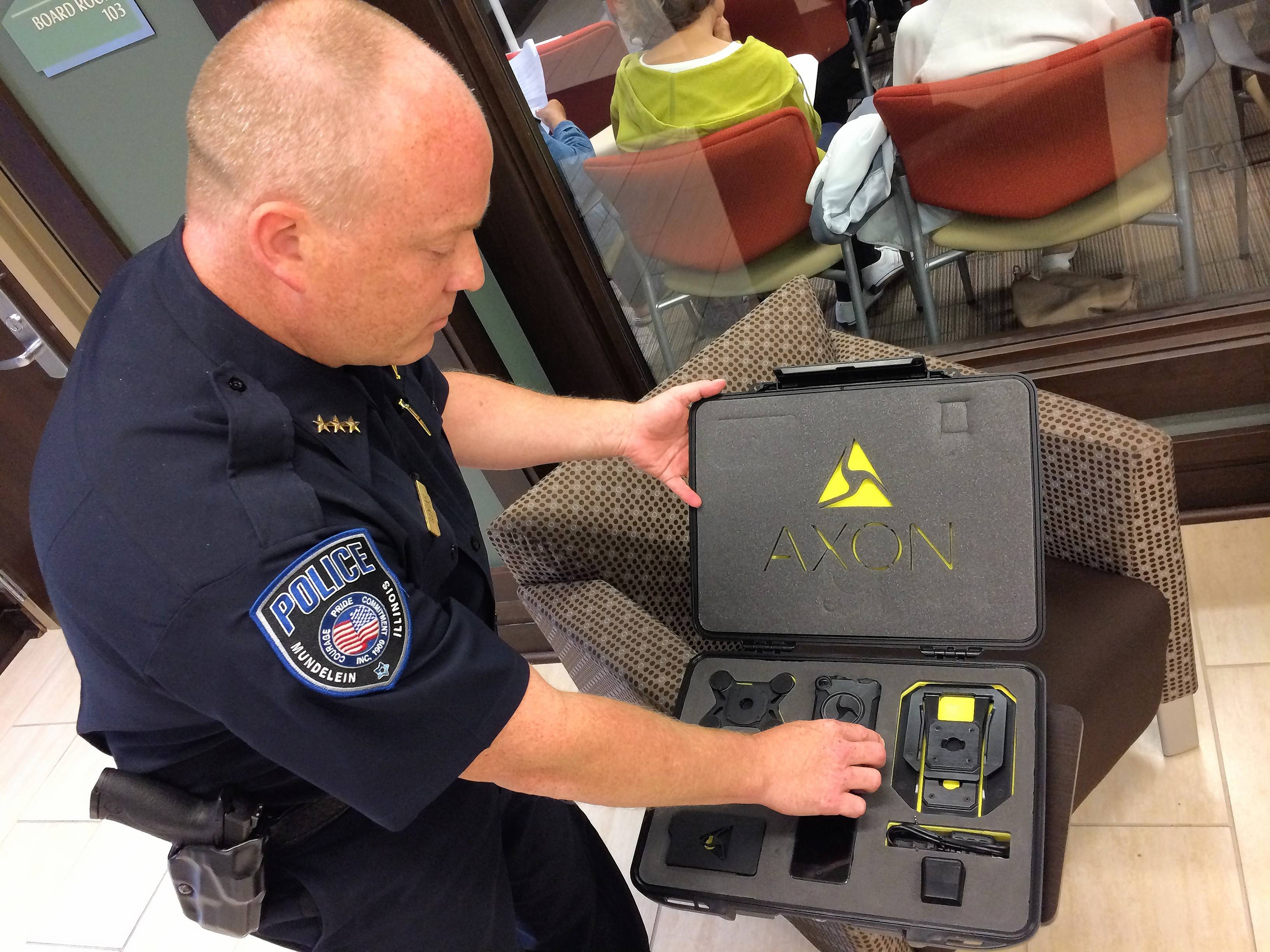 Mundelein police officers to wear body cameras starting this summer