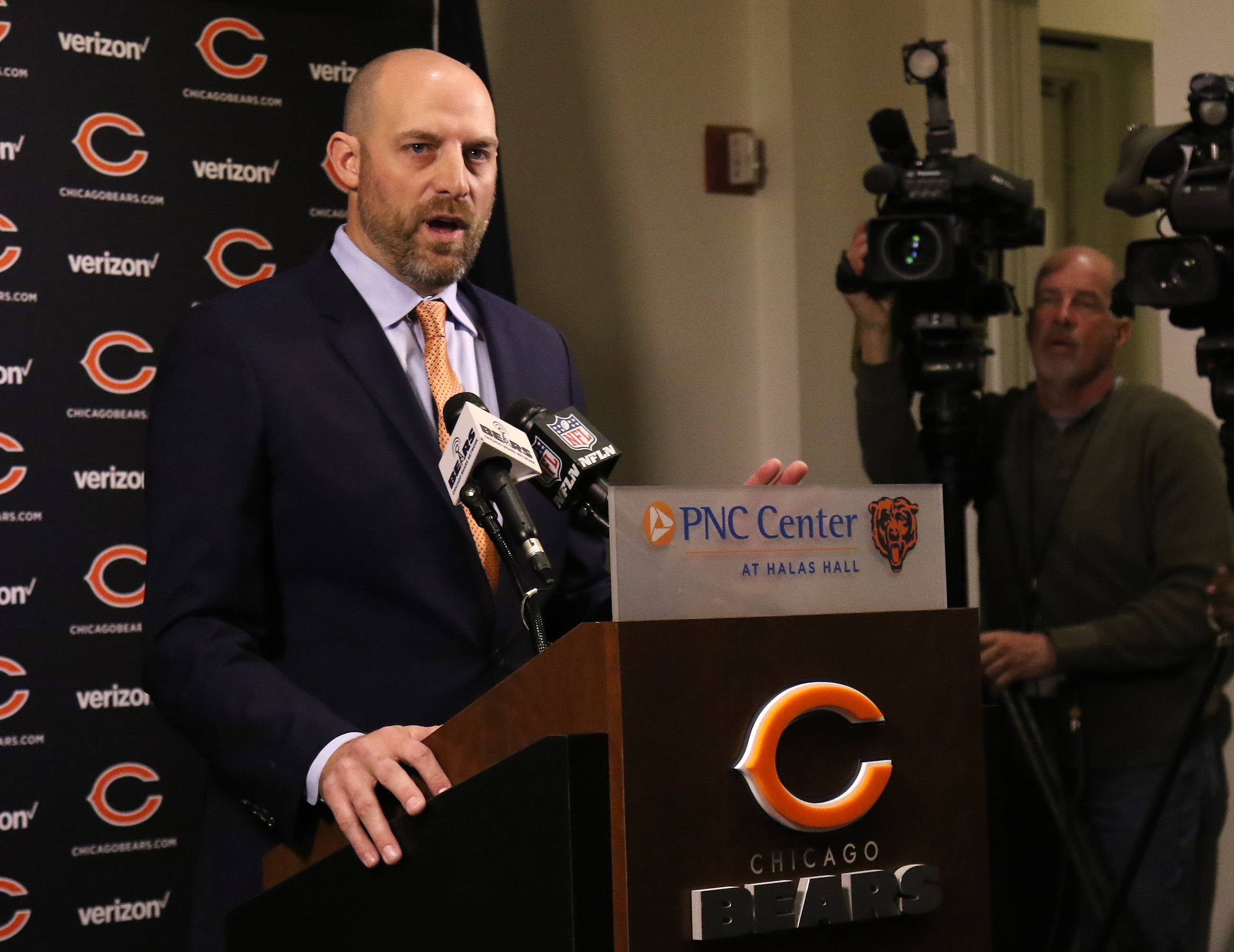 Rozner: Chicago Bears go about winning hearts and minds again