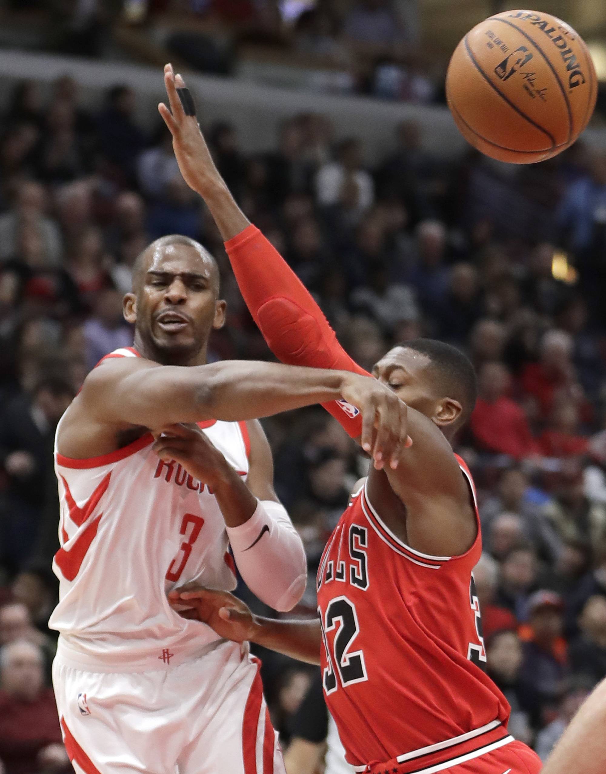 Chicago Bulls' struggling defense no match for Rockets' long-range game