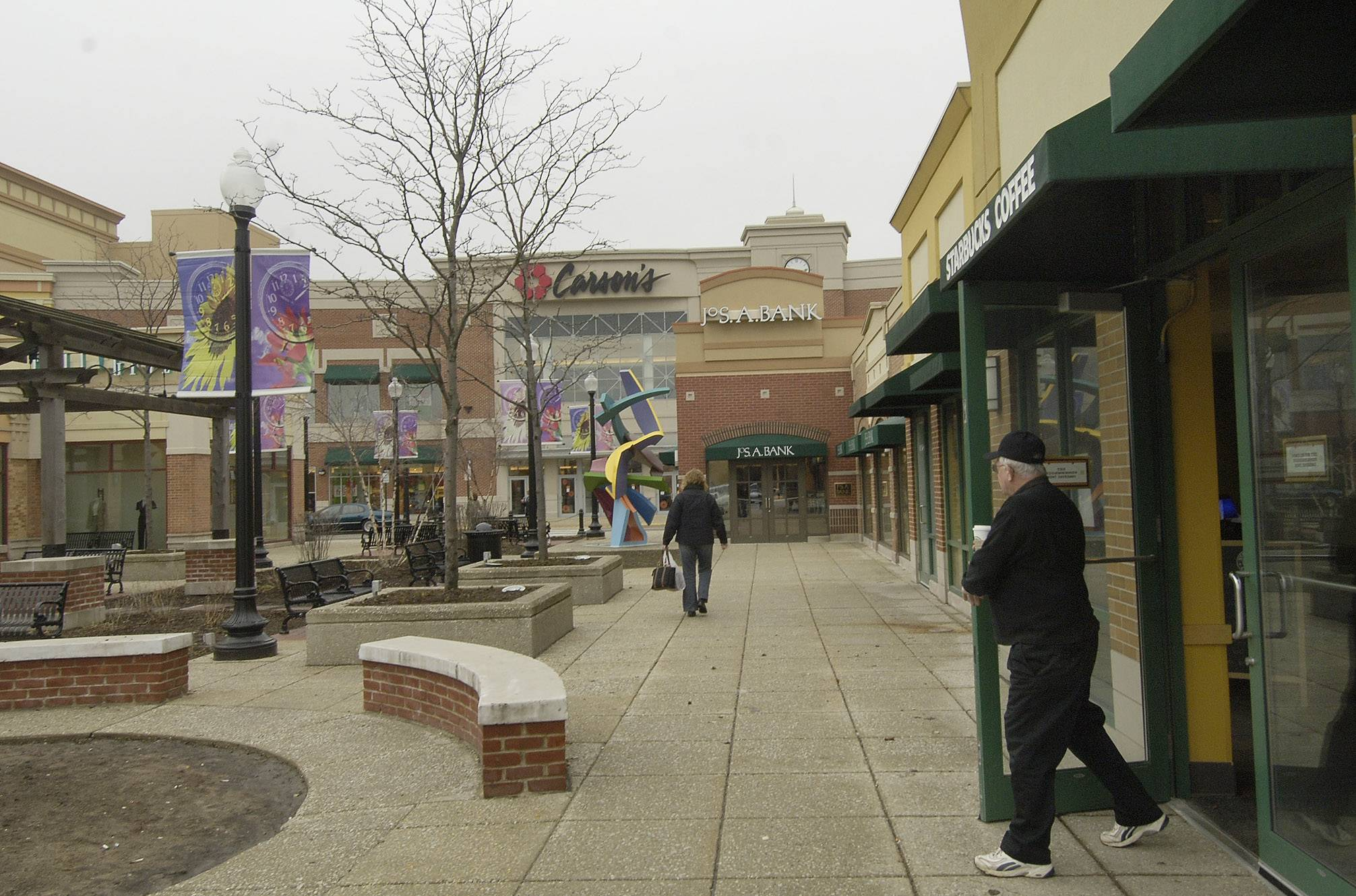 Streets of Woodfield Carson's store among 7 closing in Illinois