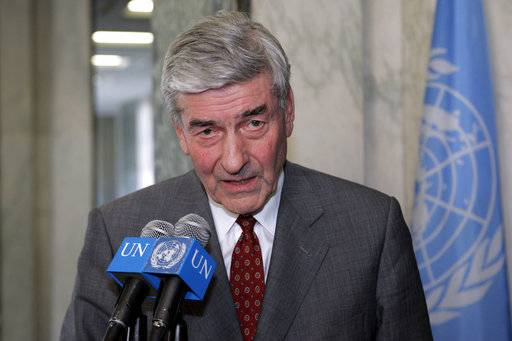 FILE - In this file photo dated Friday, Feb. 18, 2005, High Commissioner for Refugees Ruud Lubbers speaks to reporters at UN headquarters in New York. Longest-serving Dutch premier, Lubbers who guided his country through economic turmoil to prosperity, and helped shape the foundations of the European Union, has died at age 78, the Dutch government announced Wednesday Feb. 14, 2018. (AP Photo/David Karp, FILE)