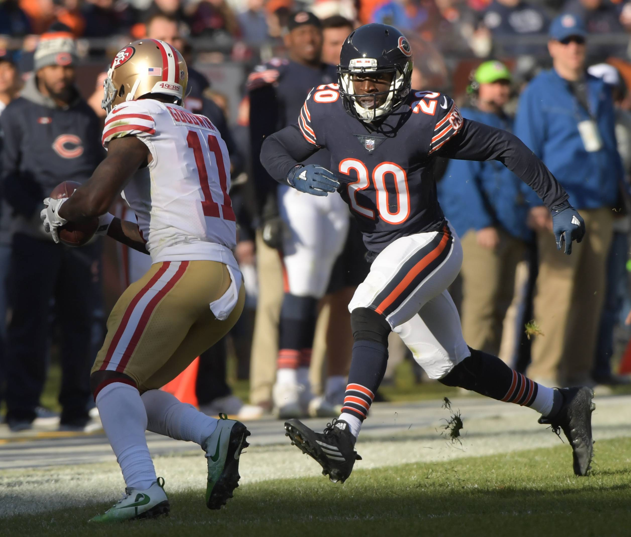 Cornerback Prince Amukamara, who started 12 games for the Bears last season, has reached a deal to return to the team.