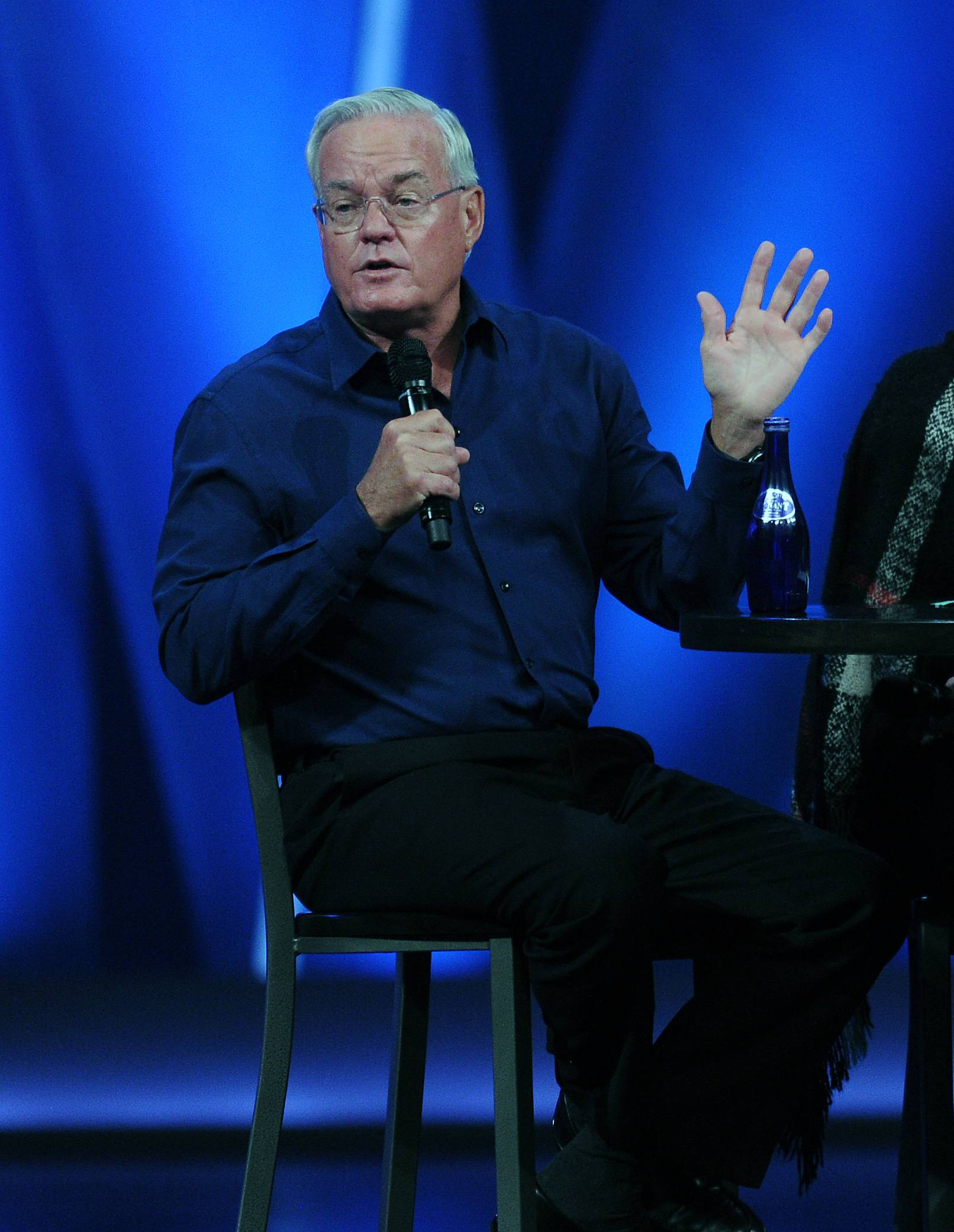 Publication of new, existing Hybels books stopped