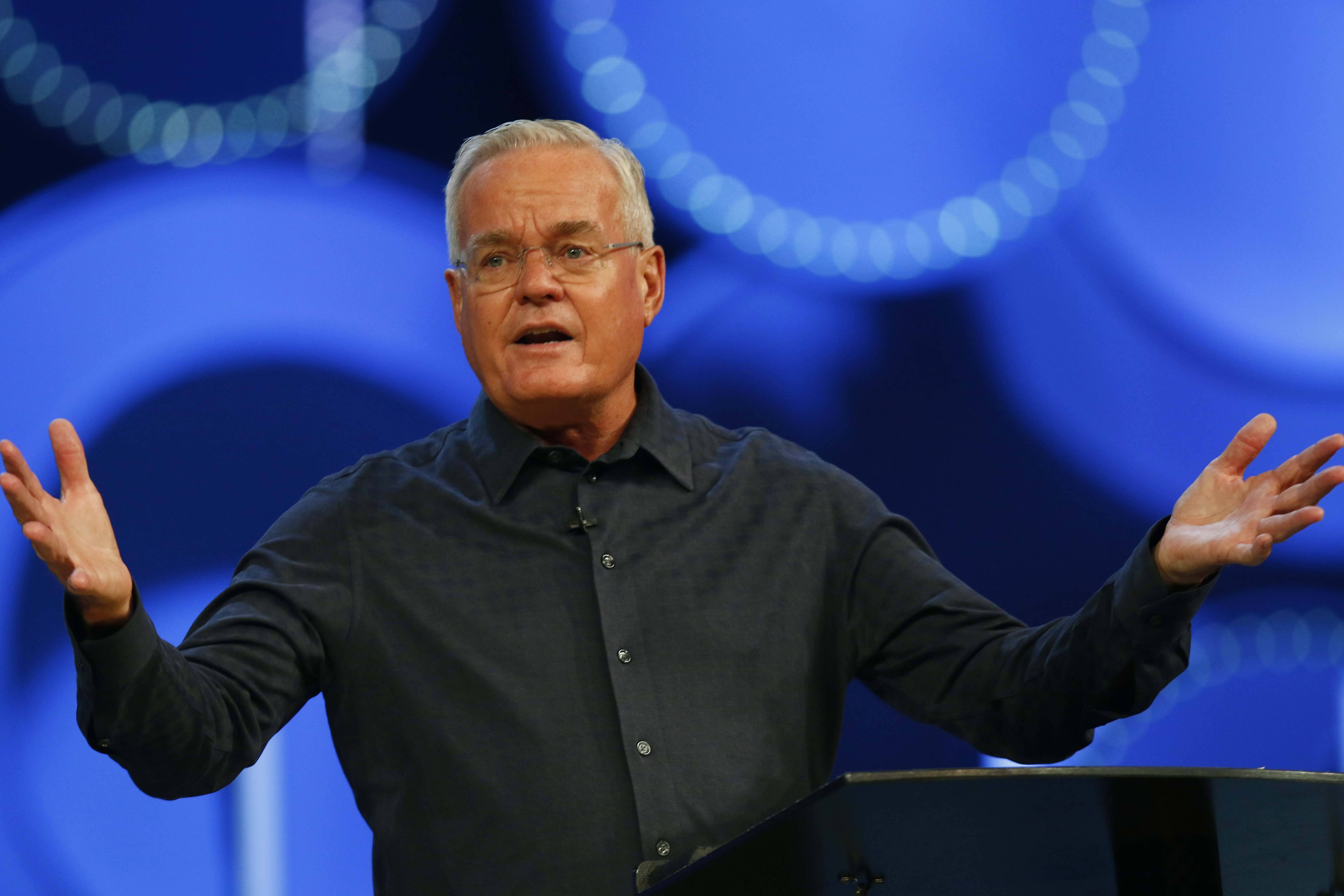 Willow Creek board leader says Hybels made inappropriate choices