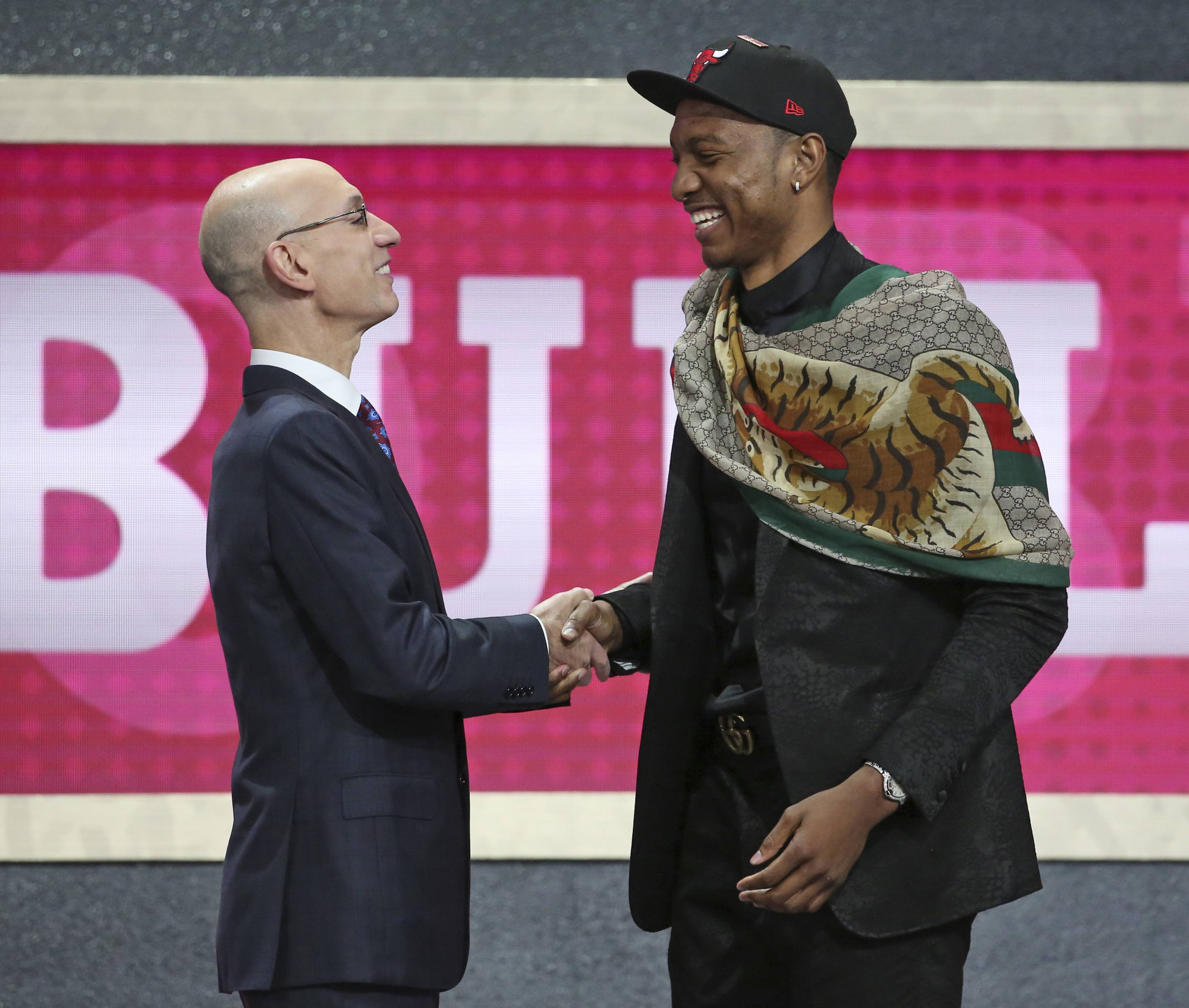 Chicago Bulls go the safe, predictable route with Carter and Hutchison