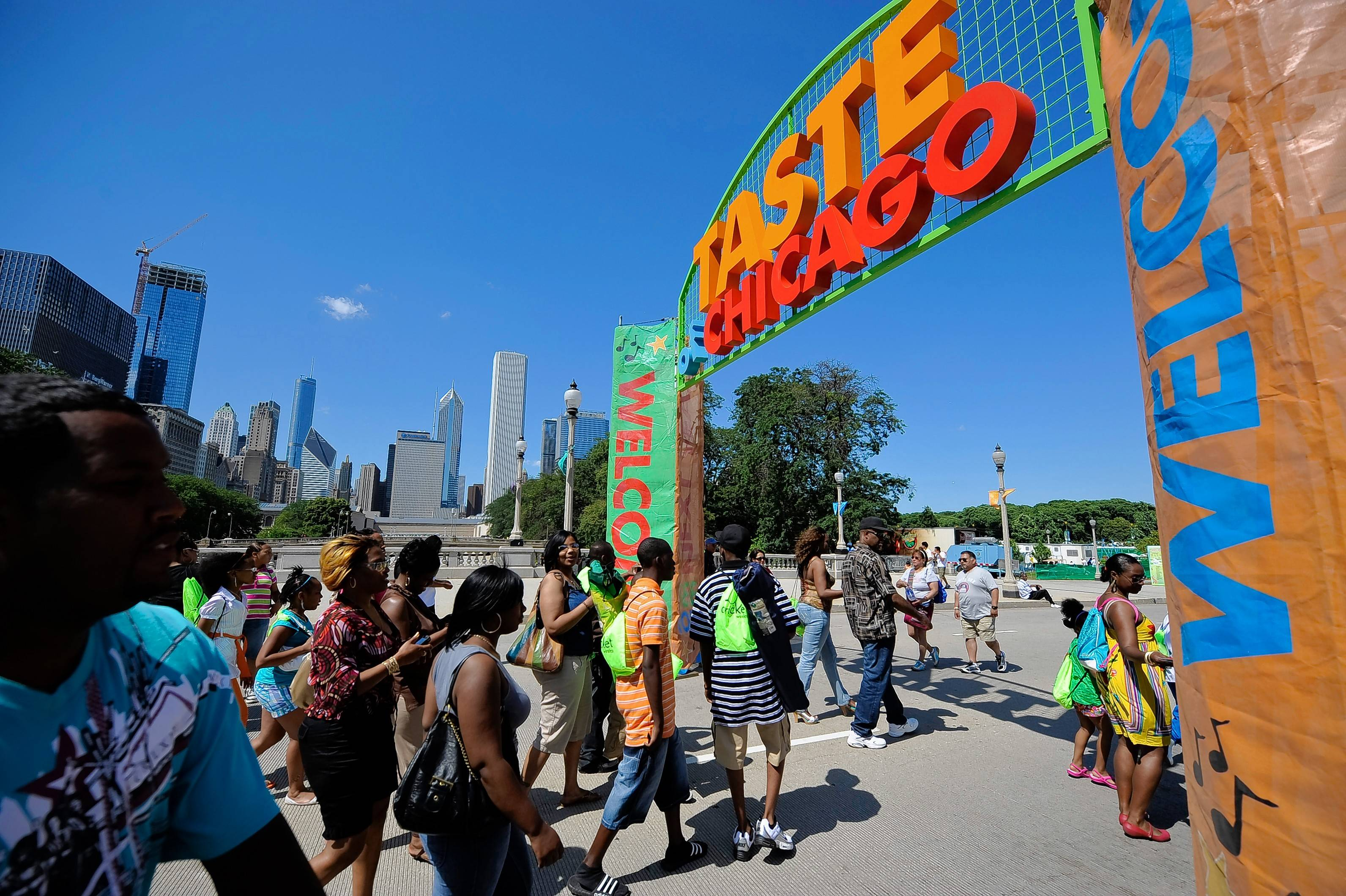 Taste of Chicago draws big crowds for food and music.