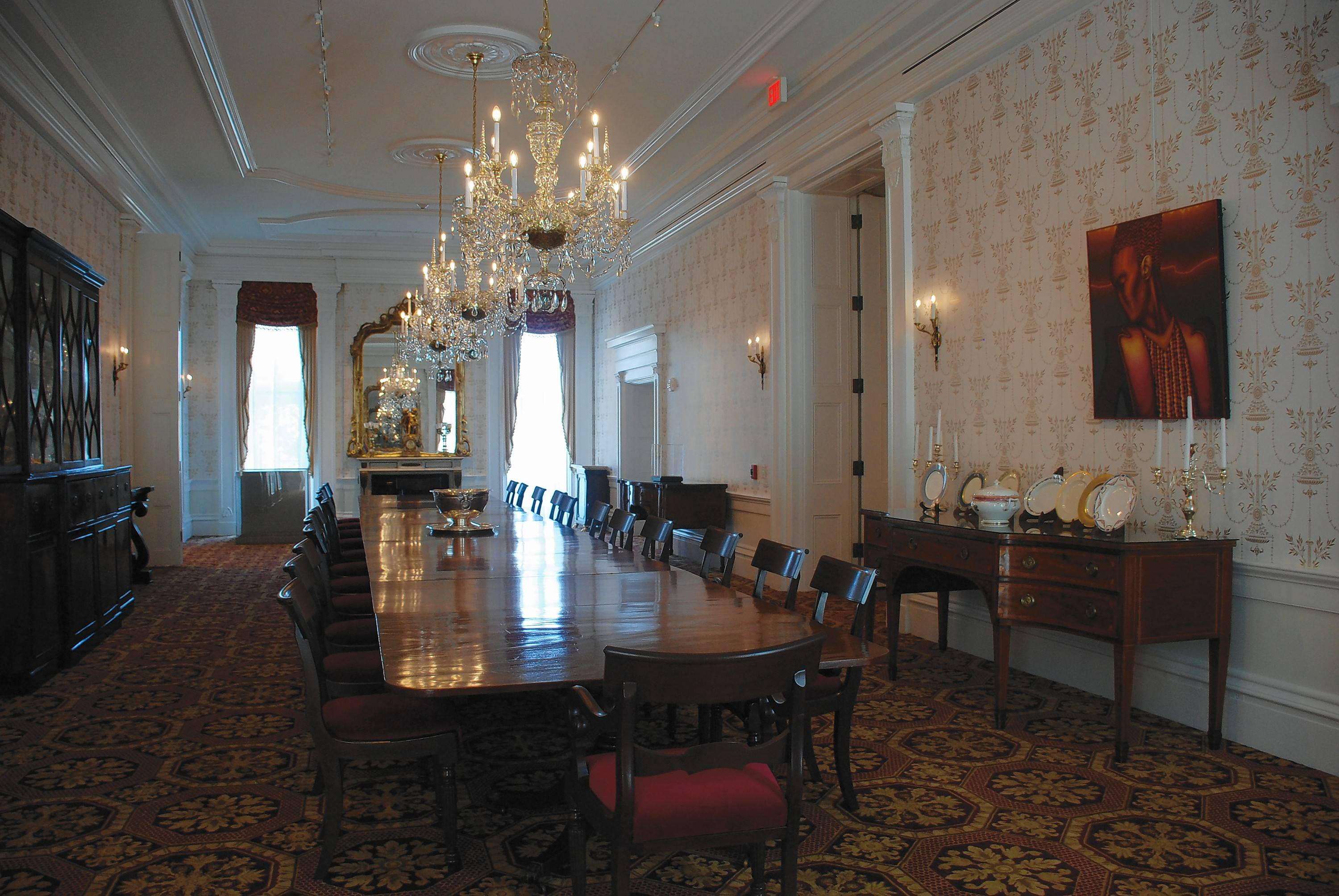 The mansion's 24-seat dining room has a sideboard featuring a display of china used by Abraham Lincoln (although he was never governor) and various governors to present day. There is a complete silver tea service and other silver pieces crafted for the USS Illinois during the 1940s. The ship was never finished so the Navy donated the silver set to the Governor's Mansion.