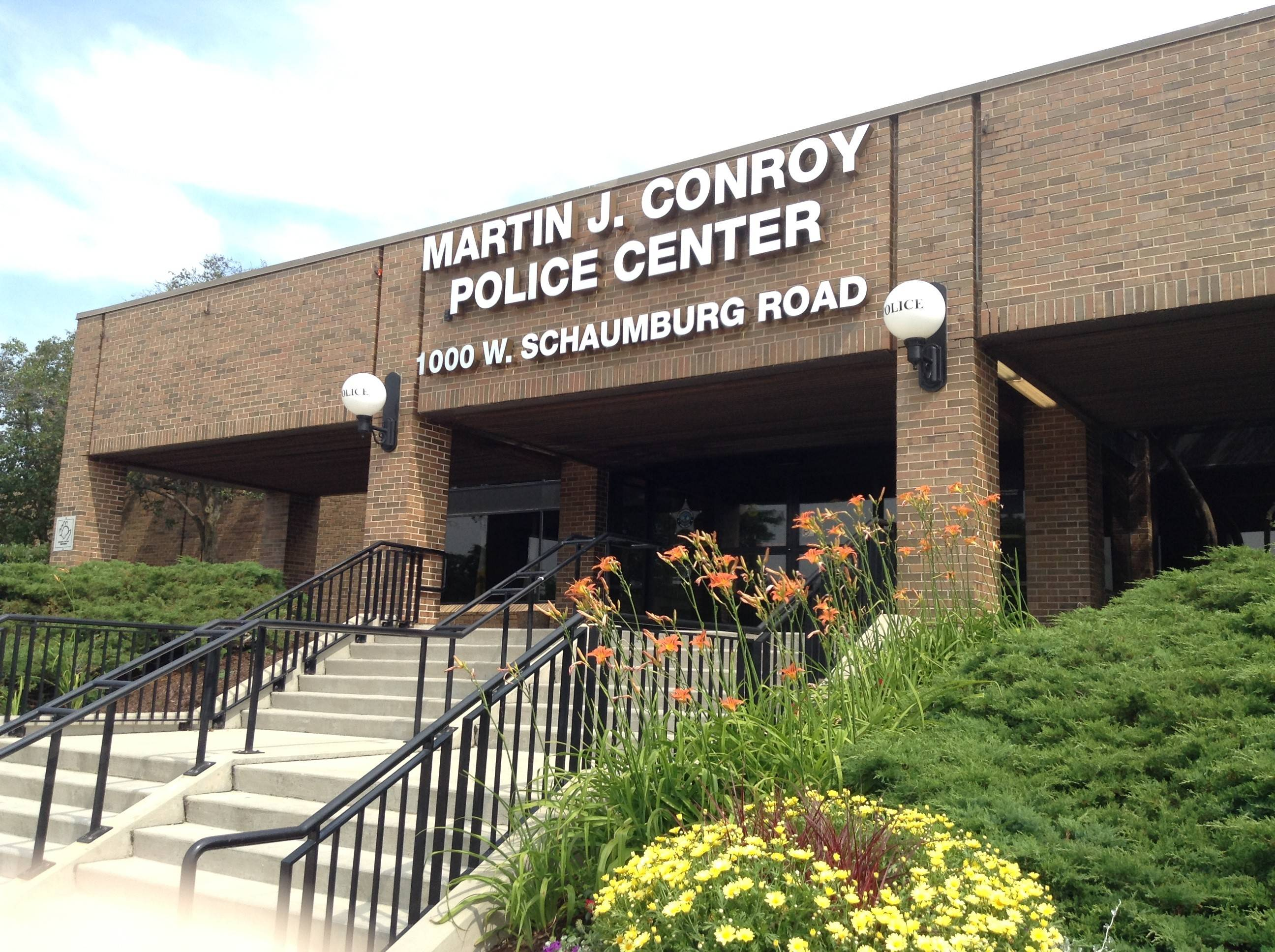 Schaumburg trustees approved a new three-year contract with the village's police lieutenants and sergeants Tuesday, increasing salaries by 2 percent, 2.25 percent and 2.5 percent each year.