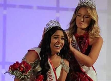 Suhanee Patel receives her crown as 2018 National American Miss-Illinois Junior Teen from Rachel Hodson, NAM Miss Illinois Teen 2017.