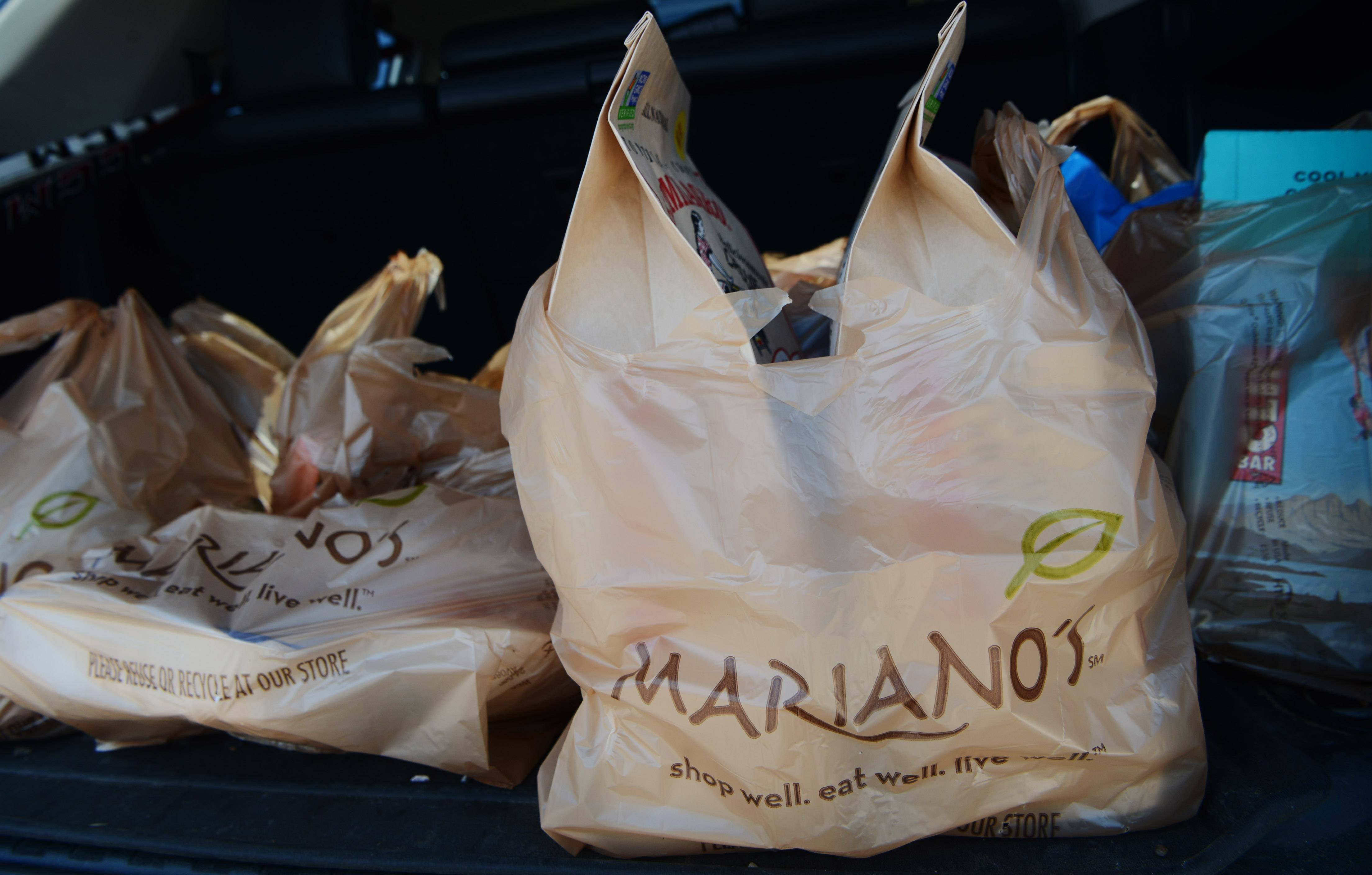 Mariano's ditching plastic bags, giving momentum to a growing trend