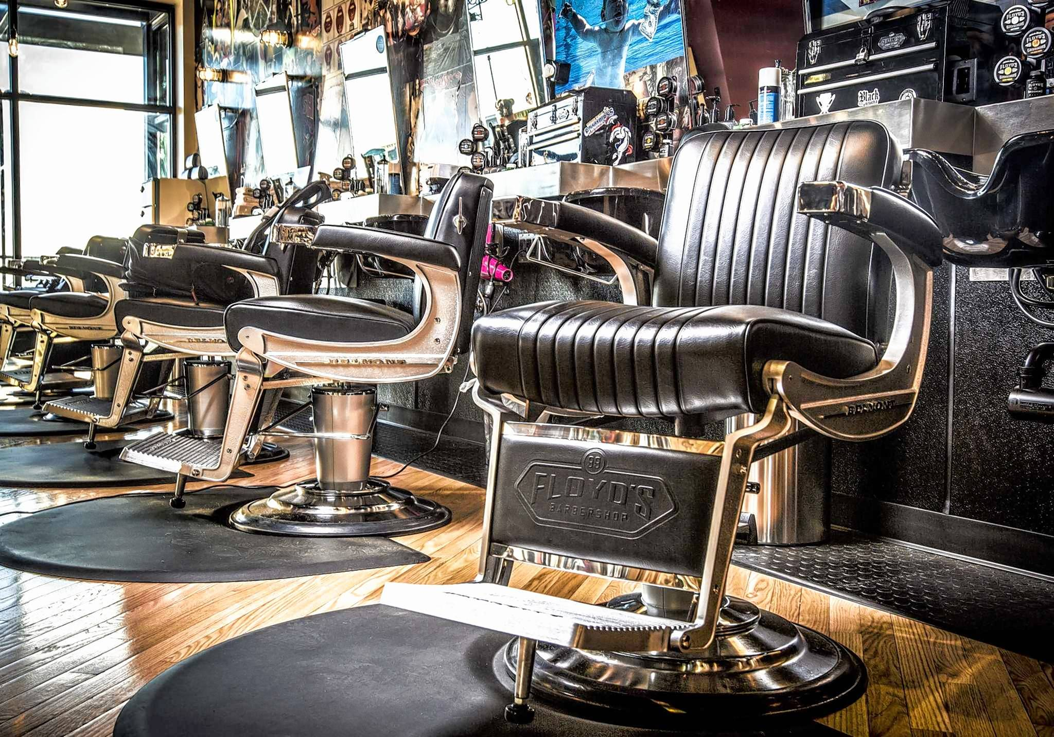 Floyd's 99 Barbershop is opening in Vernon Hills, the third suburban location for the rock 'n' roll-themed barbershop that caters to both men and women.