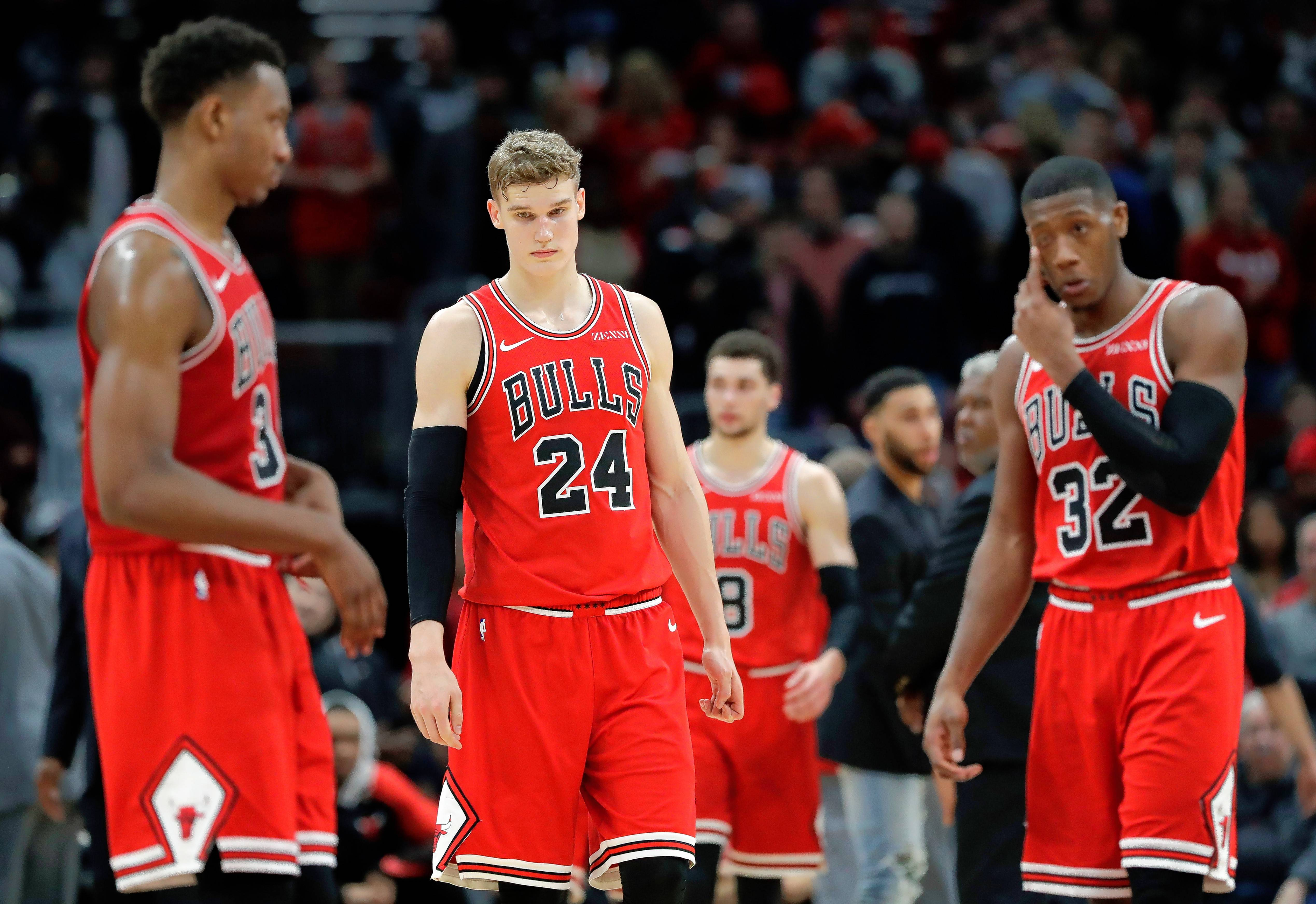 Bulls hope to bond on 5-game West Coast road trip
