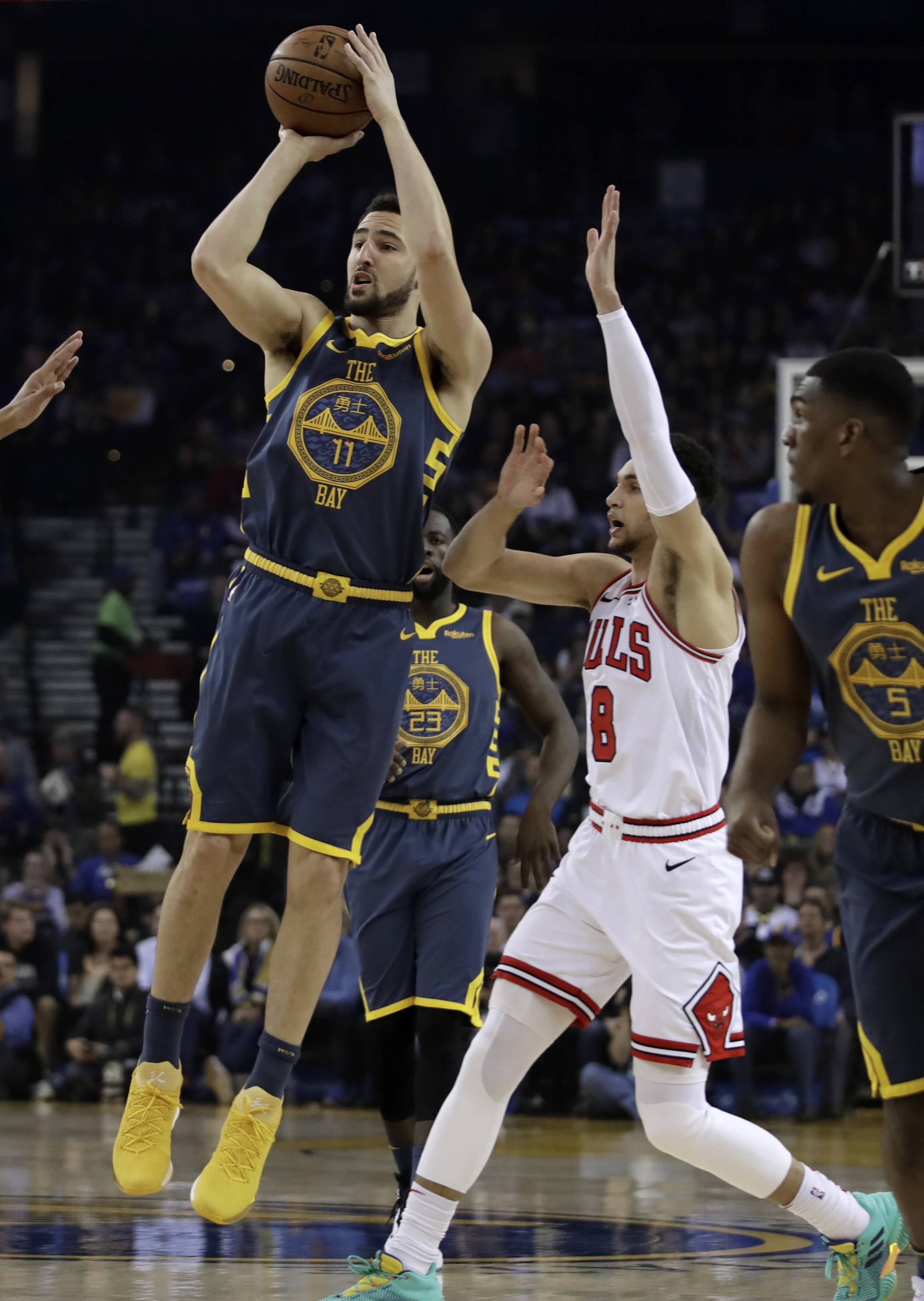 Thompson picks up where he left off as Warriors roll Bulls