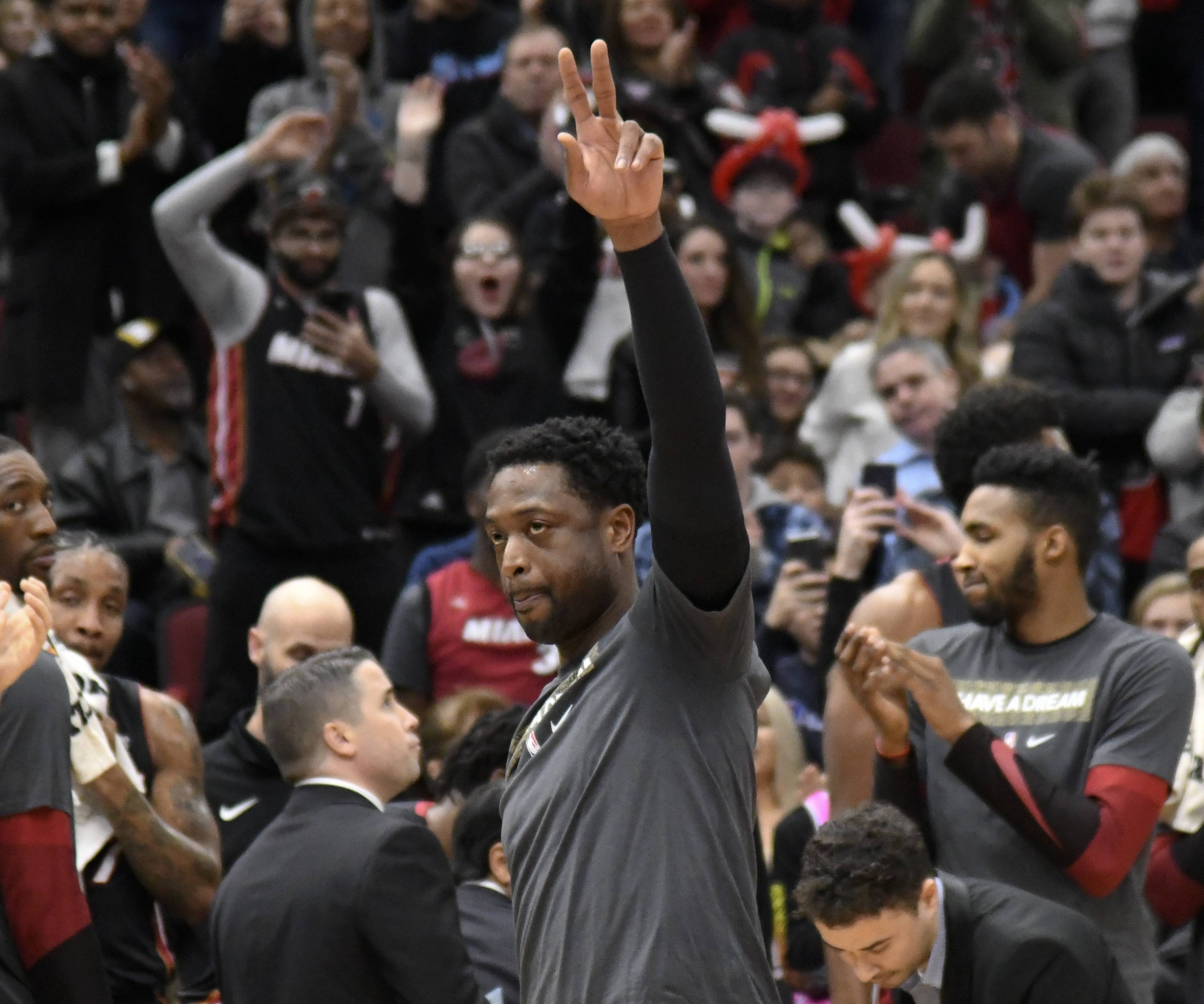 Wade goes out a winner at UC as Bulls lose 10th straight
