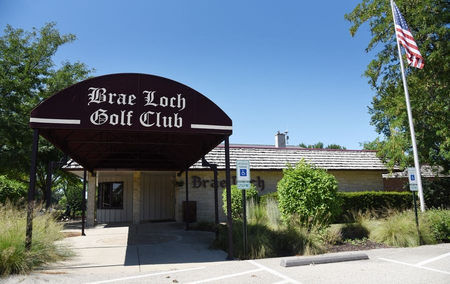 College of Lake County is proposing to relocate its culinary arts program and Prairie Restaurant to the clubhouse of the Brae Loch Golf Club in Grayslake.